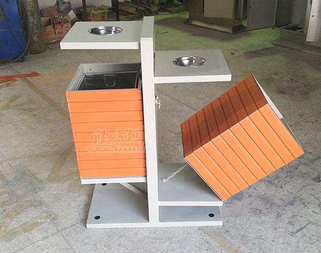 陕西汉中园林绿化公司定制户外钢木分类垃圾桶