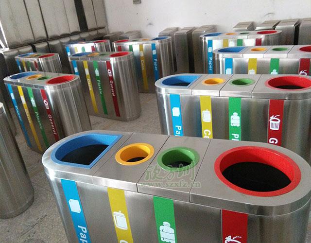 泄密者电影出现的香港国际机场四分类垃圾桶