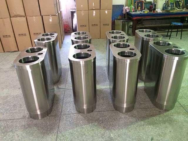湖南张家界国家森林公园特色不锈钢垃圾桶