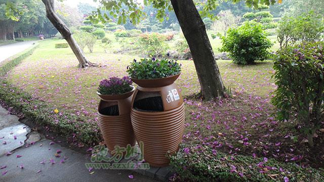 欣方圳玻璃钢垃圾桶 完美适配普洱园林环境
