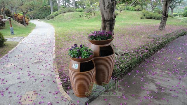 欣方圳玻璃钢垃圾桶 完美适配普洱公园环境