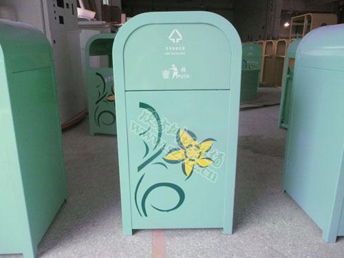 为幼儿园打造环保钢制垃圾桶