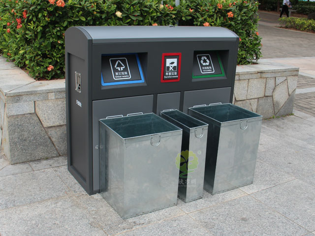 四川成都户外分类垃圾桶推盖密封环保精致