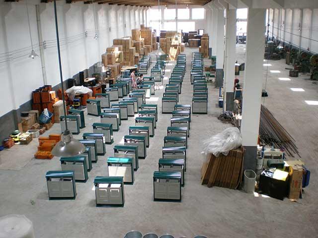 钢制垃圾桶 户外分类桶       欣方圳专业生产不锈钢垃圾桶,车间有