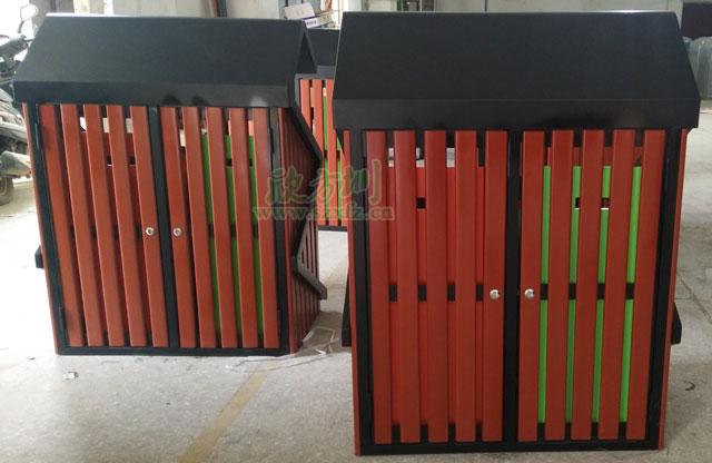 S形户外钢木分类垃圾桶背面工厂成品图展示