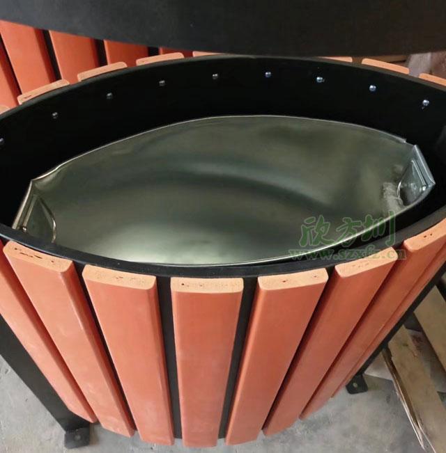 户外景区单桶钢木垃圾桶工厂成品图