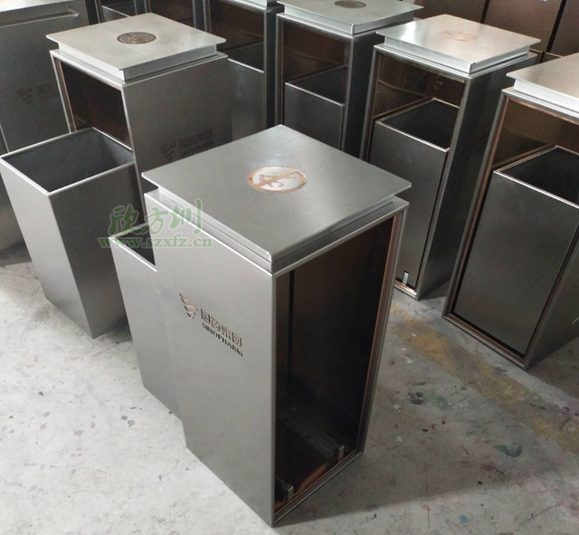 不锈钢垃圾桶厂家滑轨式设计服务湖北国药集团