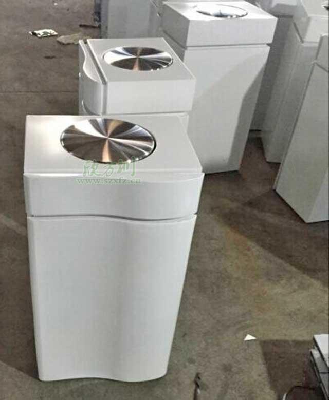 热销产品       南海万达不锈钢烤漆果皮箱采用冰箱造型设计,外观高档