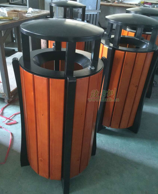 钢木垃圾桶纹理亲近自然东莞企业户外摆放