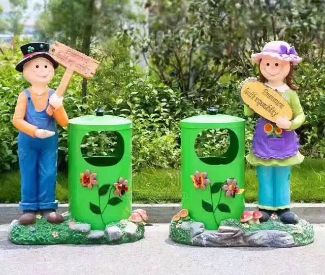 卡通垃圾桶一般制作材质是树脂,玻璃钢,石膏等材质的,这些卡通可爱