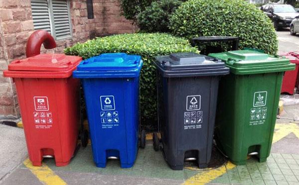 垃圾桶入村屯 助推美丽乡村建设图片